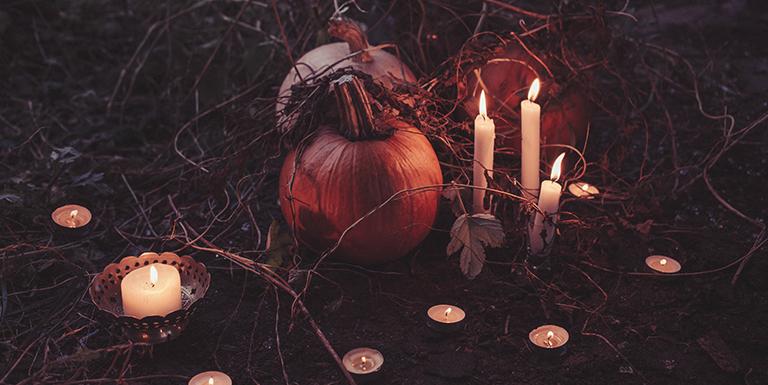 Rituais sazonais da cultura celta para se conectar com as fadas: Samhaim, Solstício de Inverno, Imbolc, Equinócio de primavera, Bealtaine, Solstício de Verão, Lúnasa e Equinócio de Outono